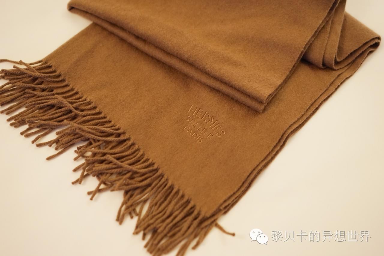 短宽围巾系法图解