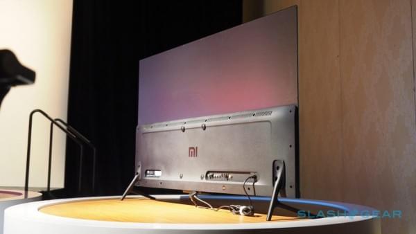 小米电视4美国亮相 机身仅厚4.9mm的照片 - 3