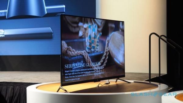 小米电视4美国亮相 机身仅厚4.9mm的照片 - 1