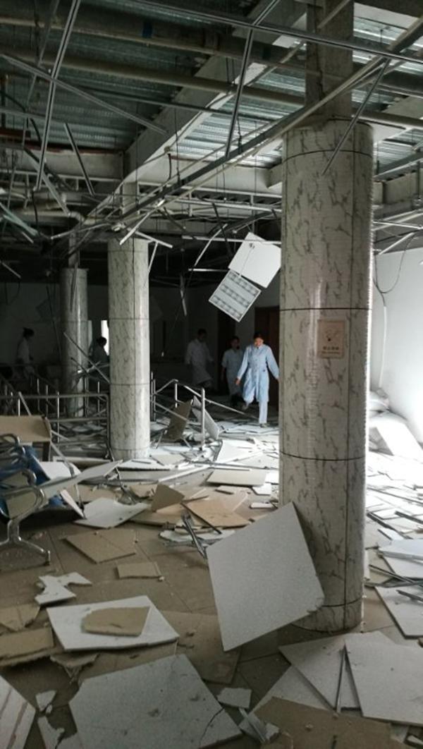 无锡一大楼2家医院:门诊大楼被封门 一半职工辞职