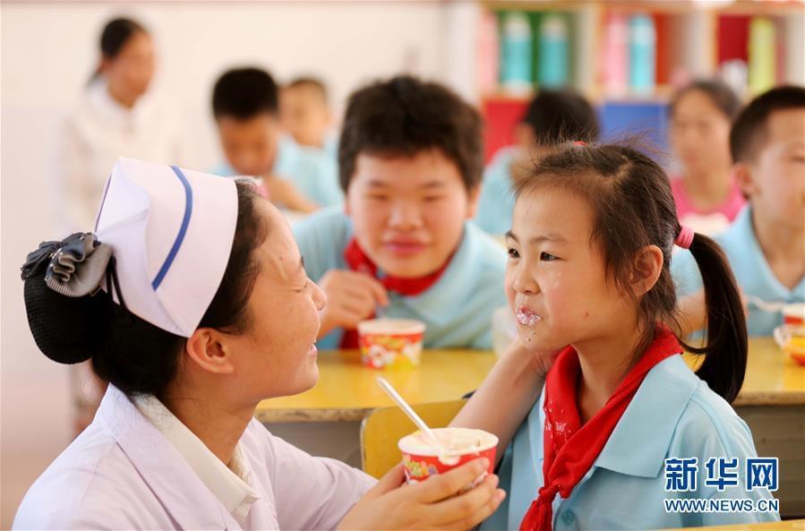 #(社会)(3)特教校园里的护士节
