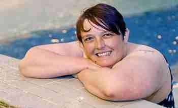女子怕水30年未洗澡 怎样克服对水的恐惧