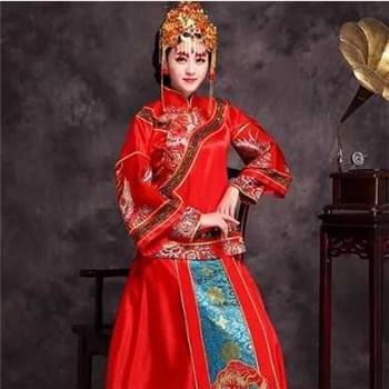 中式婚礼新娘盘发 典雅喜气的新娘造型