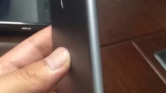iPhone 7/7 Plus后背模型曝光:Smart Connector现身的照片 - 4