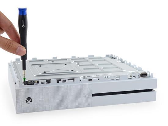 Xbox One S拆解:易于维修的照片 - 12