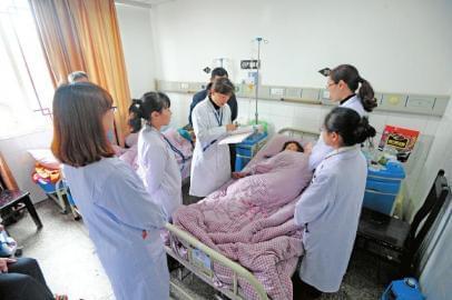 每千人口执业助理医师达到2.7人-泸州打造 川滇黔渝结合部医疗卫生中