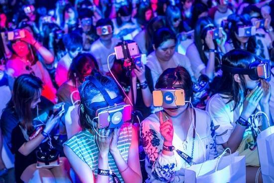 VS MEDIA助力李宇春打造出道11年首张VR版MV