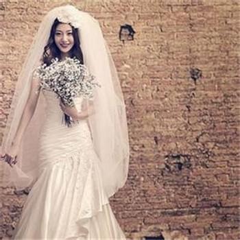 如何根据婚礼场地选婚纱? 支招准新娘
