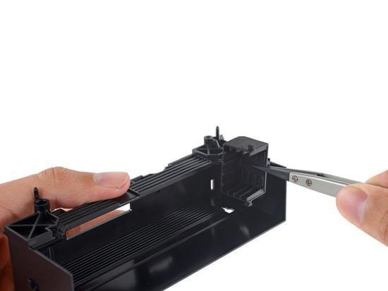 Xbox One S拆解:易于维修的照片 - 29