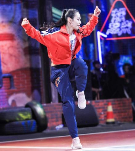 《这!就是街舞》Nikki陈妍臻,缔造韧性女人!