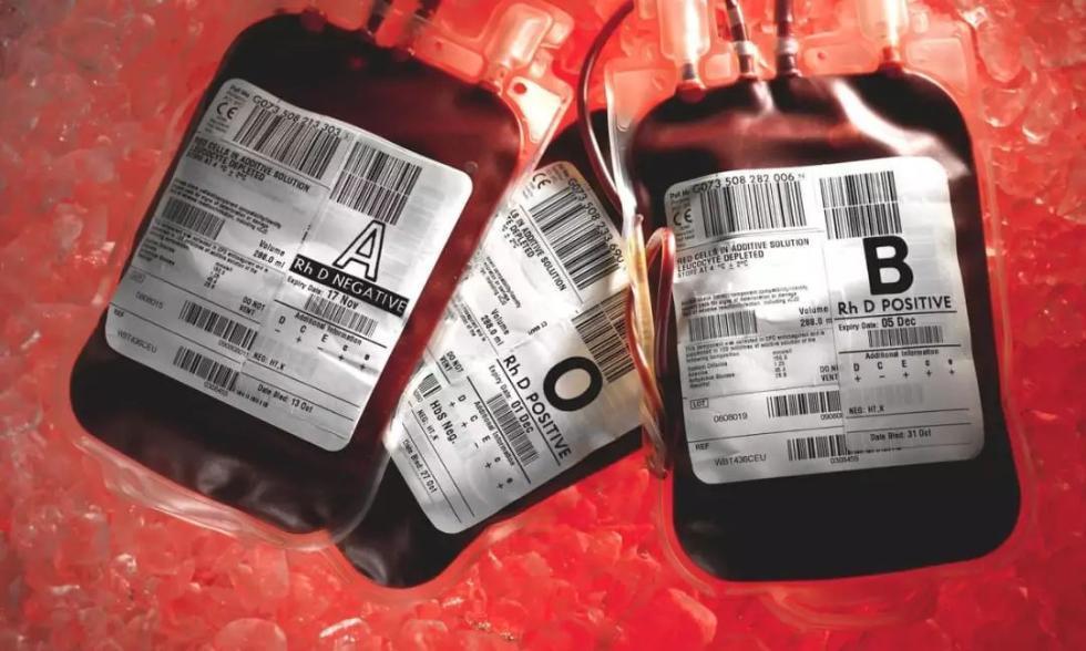 英国从美国买血浆致数千人感染丙肝艾滋 谁该负责?
