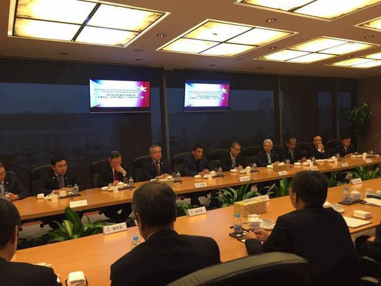 菲律宾总统访华 菲方7家企业与中行签署备忘录
