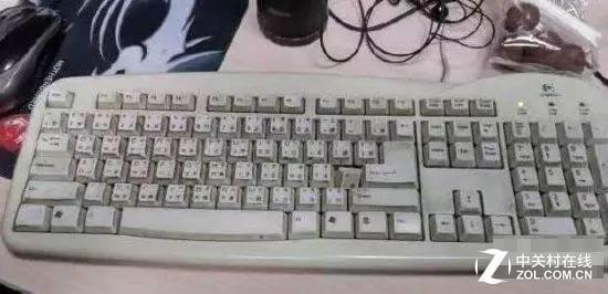 用了11年的键盘拆开后:里面到底有多脏