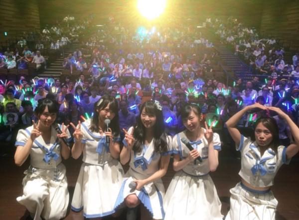 握手见面会男粉体臭熏人 SKE48成员要歌迷多注意