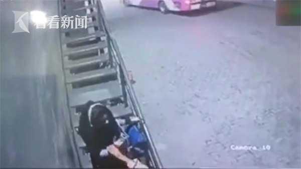 18岁女孩拒绝保安同事求婚 竟被对方当街枪杀