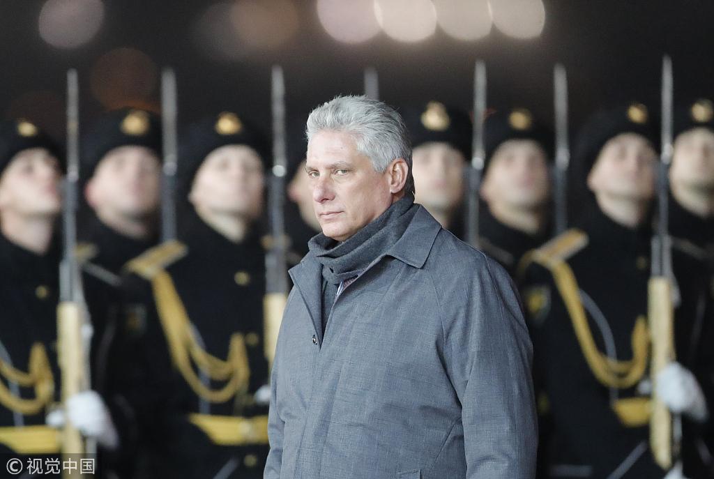 古巴新领导人访朝:金正恩接机 上万市民夹道欢迎