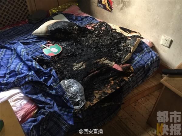 小米MAX用户充电时突然爆炸的照片 - 5