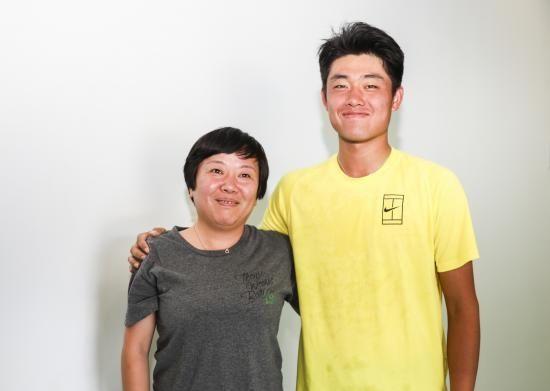 吴易昺母亲:培养儿子已花百万 没想象贵完全能接受