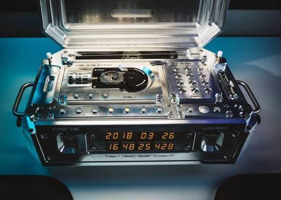 机械表也能融入数字技术:走300多年误差仅1秒钟