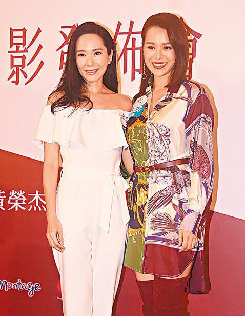 同届港姐郭羡妮(左)和胡杏儿笑称在后台都重提往事。