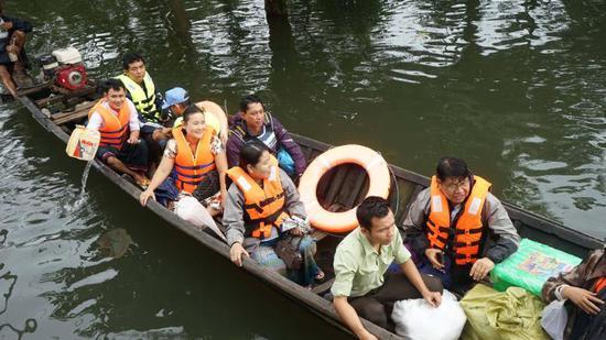 180731123815-myanmar-floods-05-exlarge-169.jpg