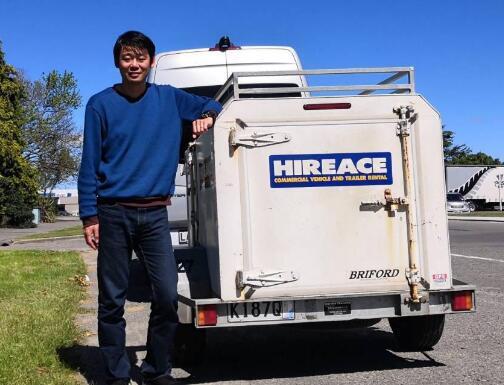 中国游客团抵达新西兰第一天 整辆行李车离奇被盗