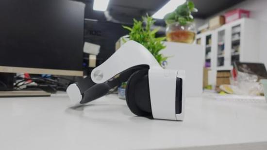 小米VR眼镜正式版评测:体验比山寨盒子好 但是……