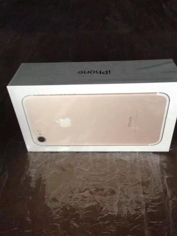iPhone 7包装盒曝光的照片 - 1