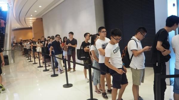 iPhone 7 广州遭疯抢黄牛生意火爆 分析师为何被打脸?的照片 - 5