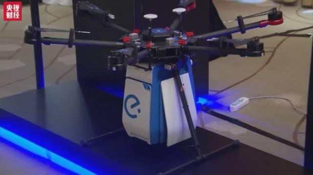 机器人送外卖真的来了:还会自己坐电梯…