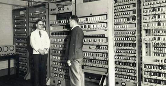 科技史上2月14日世界第一台计算机问世