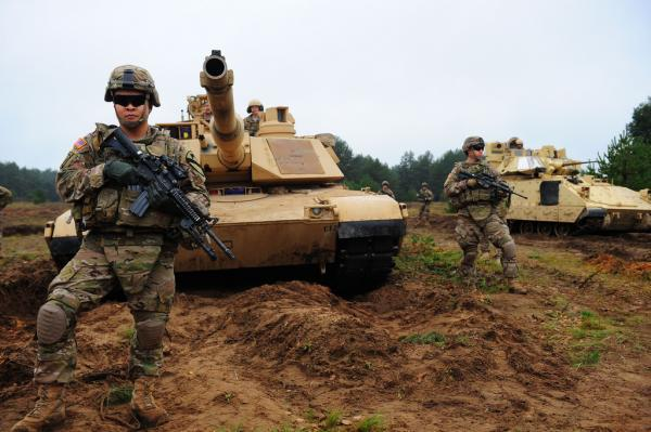 """美媒:美军计划下月举行全球军演 """"恐吓""""中国"""