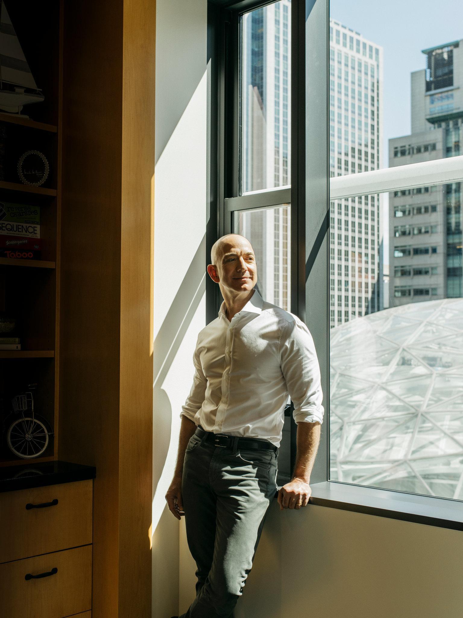 纽约时报:贝佐斯太有钱不正常,他应该让美国更公平