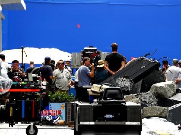 《环太平洋2》两位主角剧照曝光的照片 - 8