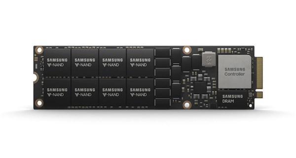 三星推8TB NVMe SSD:16 颗512GB NAND 封装