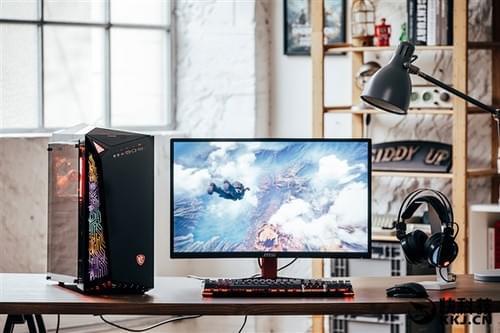 微星发布新款游戏台式机:电路RGB信仰灯