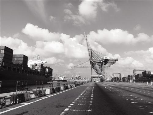 科伦坡港:印度洋明珠再闪耀的十字路口