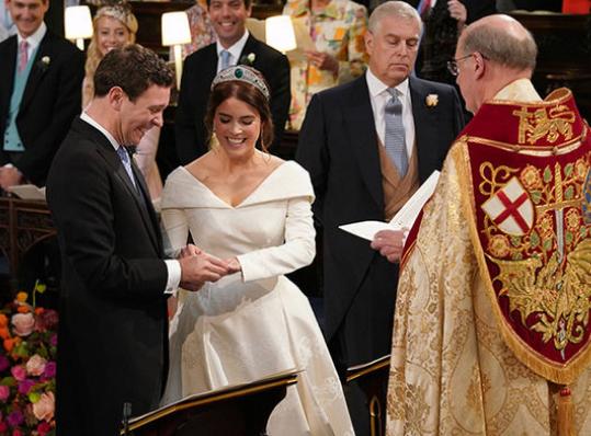 特朗普祝贺英国公主大婚 却让英美网友炸开了锅
