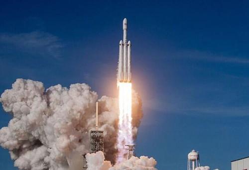 马斯克:猎鹰重型火箭发射成本最高才1.5亿美元