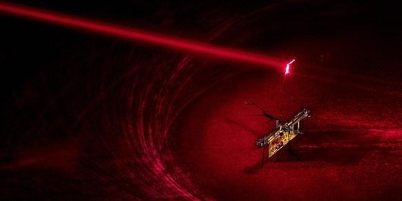 科学家研发微型昆虫机器人:不靠电池靠激光传输电
