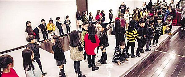 11岁女童入韩女团惹争议 母亲:花20万培养觉得值