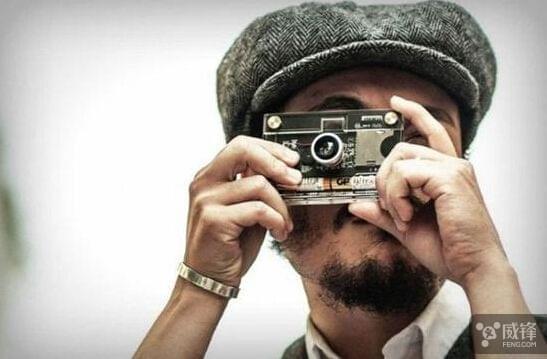 极简主义者最爱 纸可拍推出CROZ微型数码相机