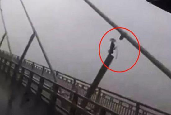 官方:苏通大桥拉索断裂消息不实 桥性能不受影响