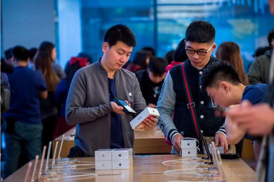 外媒:iPhone X成功,但苹果还是丢了中