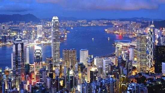 写在香港回归20周年感想/梁凤仪
