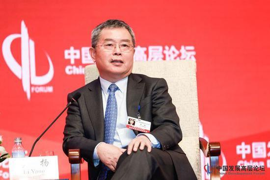 李扬:中国债务和杠杆率可控 国企杠杆率较突出