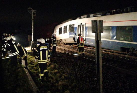 1252017GermanyTrainAccidentCreditMeerbuschFireDepartment.jpg