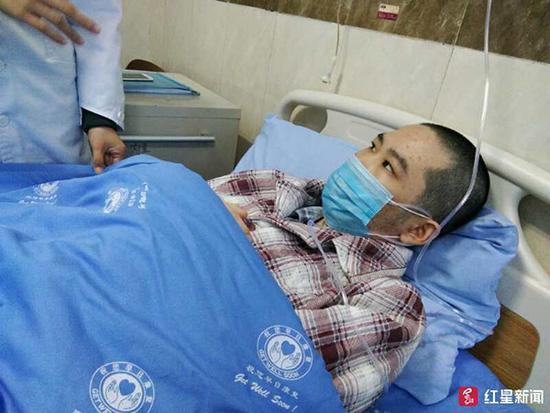 25岁自贡患病小伙咨询捐献眼角膜,医生为他求助:这非绝症
