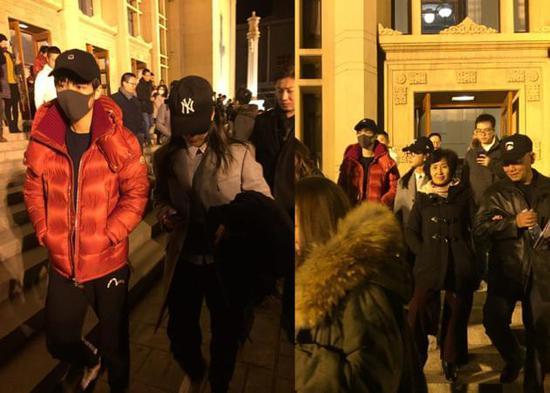 李冰冰和王俊凯看话剧 暖心比划教他提升演技