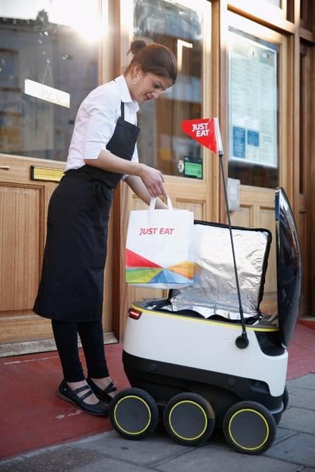 当机器人可以送外卖时,谁还需要去逛超市?